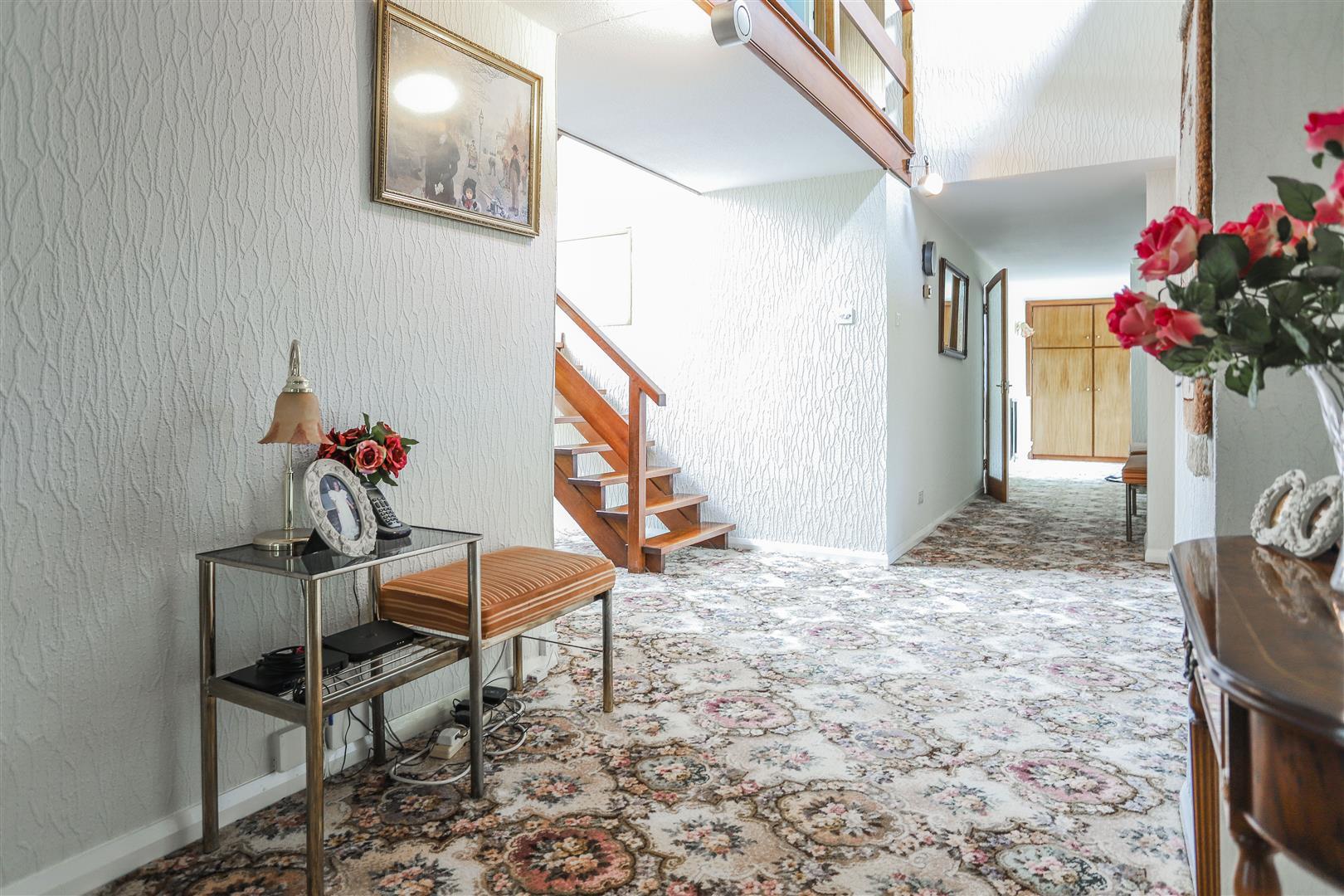 5 Bedroom Farmhouse For Sale - 9.JPG